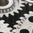 Logistica come vantaggio competitivo - ruote di ingranaggio in primo piano